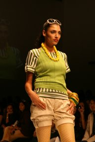 18-lakme-fashion-week-2007-allen-solly-small.jpg